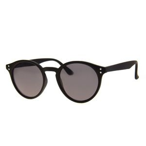 A.J. Morgan Black sunglasses, round frames
